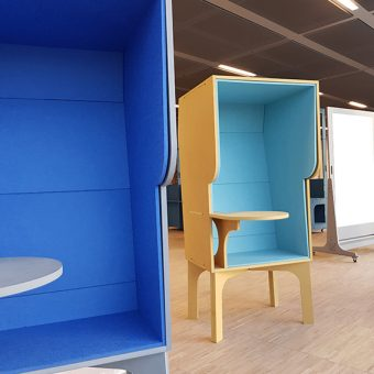 wiki booth - sustainable desk